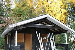 Upea Nettihirren asiakkaalle suunniteltu sauna ennen pielilautojen asennusta