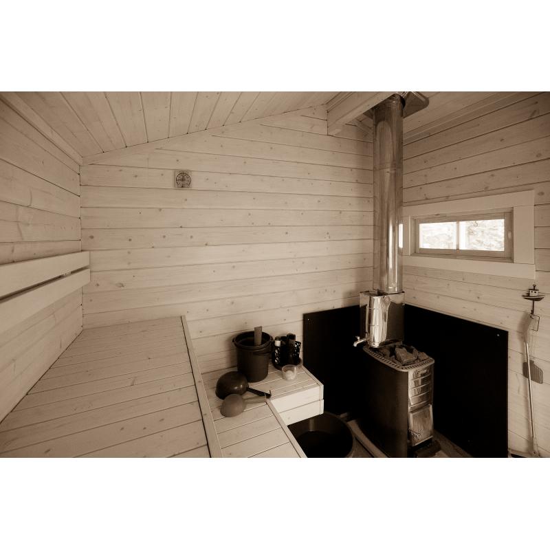 Saunamökki Otso - Asiakkaan ottama valokuva lauteilta - Perspektiivikorjattu laajakulmaotos