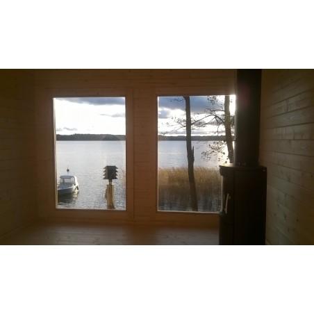 Sauna Jalo - sisänäkymä tuvasta ikkunoiden suuntaan